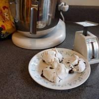 Chocolate Chunk Meringues