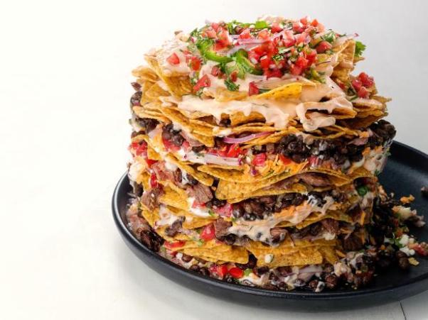 fnm010117_trash-can-nachos-recipe_s4x3-jpg-rend-hgtvcom-616-462