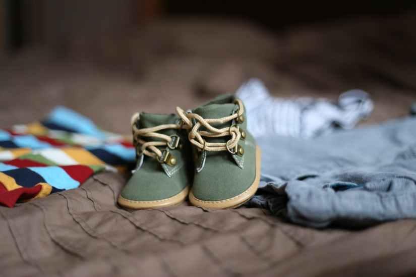 shoes-pregnancy-child-clothing-47220.jpeg